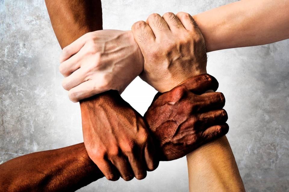 L'odissea di Mohamed e Najoua: è così difficile agevolare una vera integrazione?